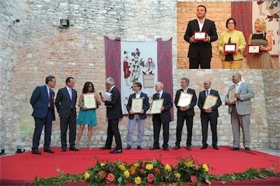 (in basso) Alcuni momenti della Premiazione - (in alto) Globo Tricolore ad Anna Mossuto