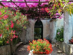 Giardini Magici_-_Ravello_villa_Rufolo_300x