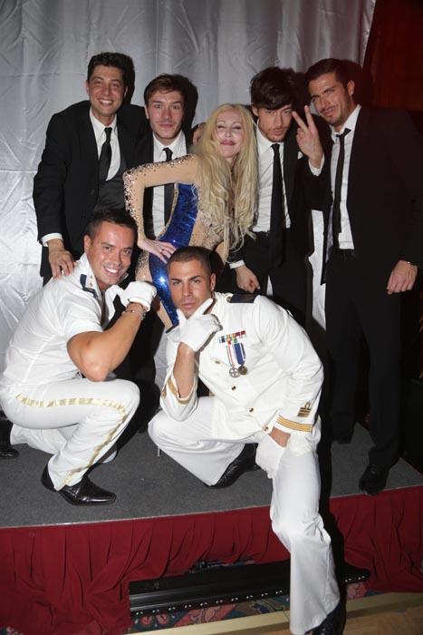 Federico neri con i modelli e ballerini dell'Agenzia Fist