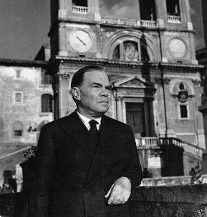 Lo scrittore Corrado Alvaro