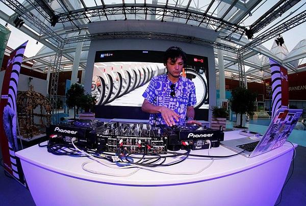 DJ SET CONFERENZA STAMPA EXIT EXPO 2015