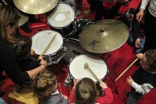 AIGAM Gordon Festival bambini alla batteria 1