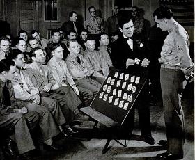 John Scarne tiene una lezione per lEsercito Americano 24