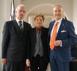 Dott. Marco Contini, CEO AmTrust Group Europe Ltd, dott.ssa Dea D'Aprile, Rettore Unimeier, avv. Paolo Vinci, Docente Unimeier Diritto Civile e Penale