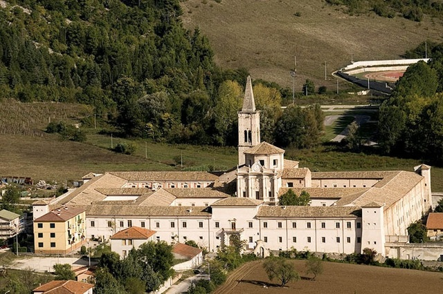 Abbazia celestiniana di Santo Spirito al Morrone