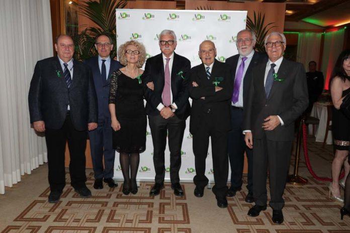 Stefania Gori con alcuni oncologi di AIOM