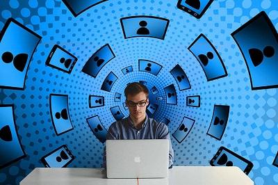 Allarme Workhaolism - per il 66 percento dei giovani