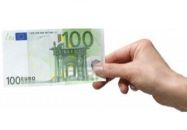 Scuola Stipendi 100 euro al mese di aumento Non bastano
