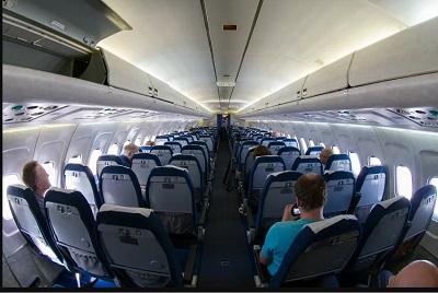 viaggiare in aereo in classe economica