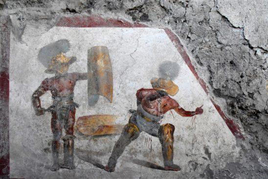 Due gladiatori al termine del combattimento - Pompei