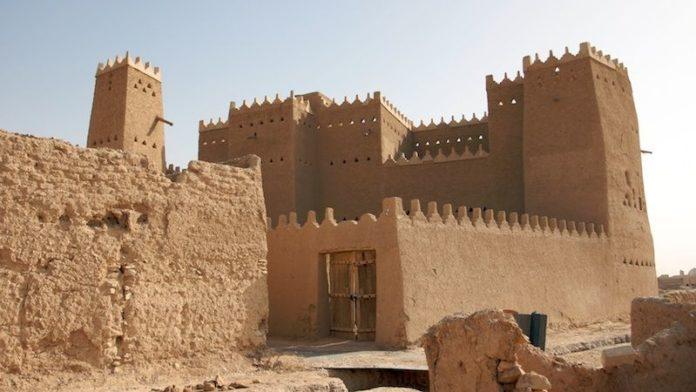 LARABIA SAUDITA INAUGURA UFFICIALMENTE IL SITO DI AL-DIRIYAH