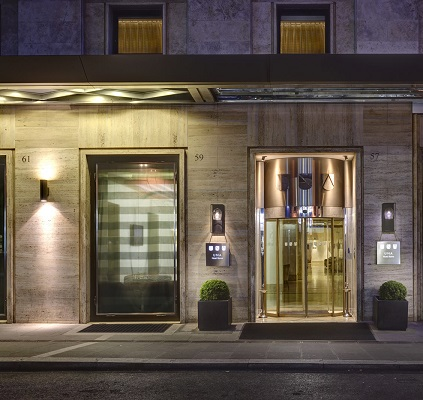 entrance-decoroma UNA HOTELS