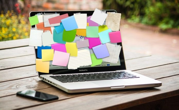 Trovare lavoro - oggi la selezione dei curriculum la fa il Pc