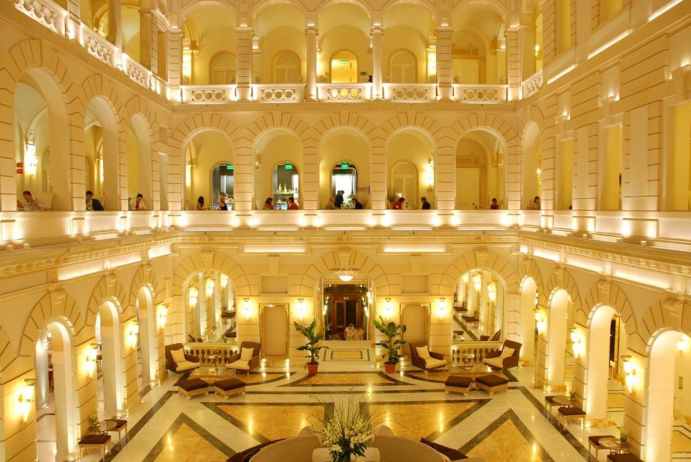 1 NY Palace Budapest Lobby 1