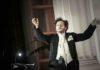 Roberto Azzurro porta in scena - Musica Maestro