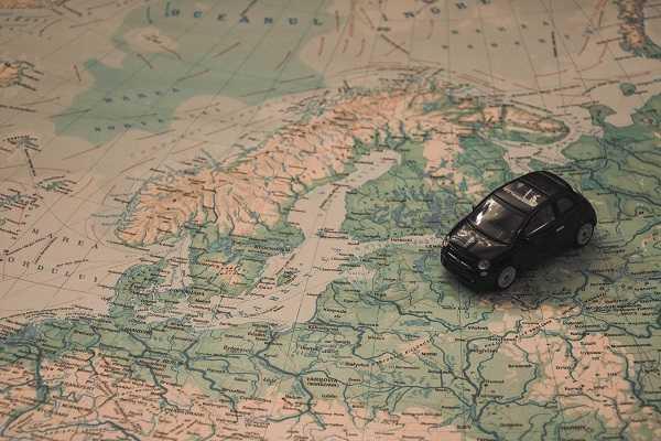 Cinque consigli utili per organizzare un viaggio in auto