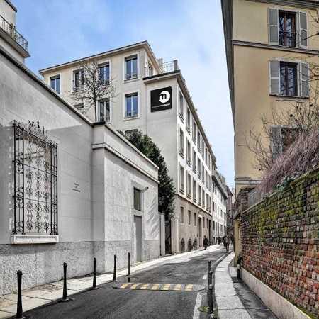 Building Via Cerva 24 Milano