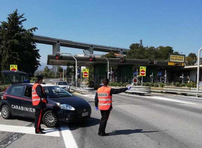 Imperia i Carabinieri presidiano i caselli autostradali