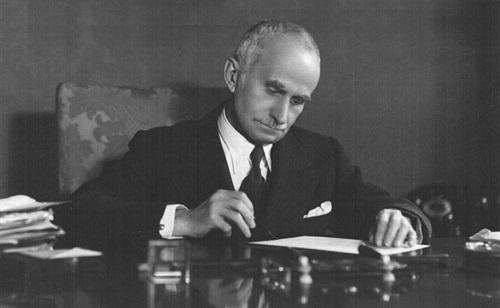 Luigi Einaudi r