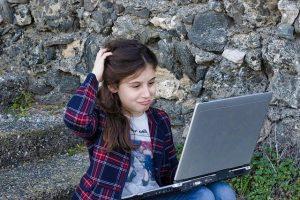 Tablet e connessioni a internet per gli studenti romani