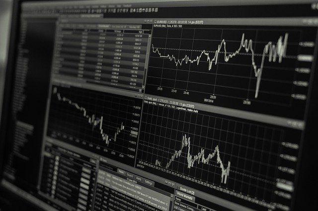 luci-della-finanza-grafici-azioni