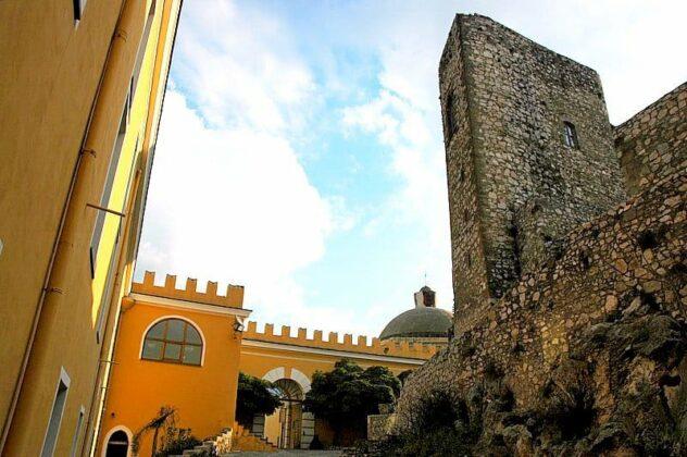 09 Il Castello Del Parco Castello Medievale Di Nocera Inferiore