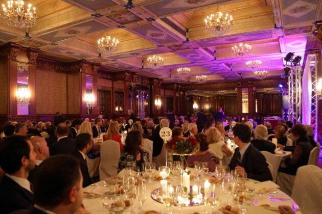 La Sala Delle Feste Dell' Hotel Principe Di Savoia