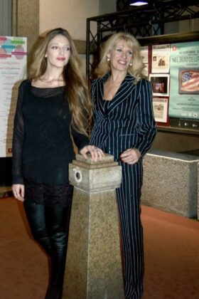 Teatro Guenda E Maria Teresa Ruta 2017 09
