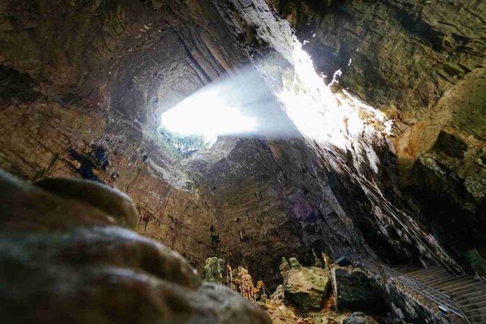 Castellana grotte - grave riapertura