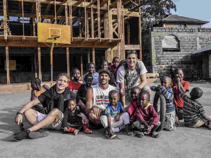 La sfida (vinta) di Slums Dunk che porta il basket nelle baraccopoli del mondo