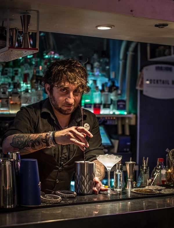 Marco Riccetti Head Bartender Dell'inside Restaurant & Cocktail Bar Di Torino