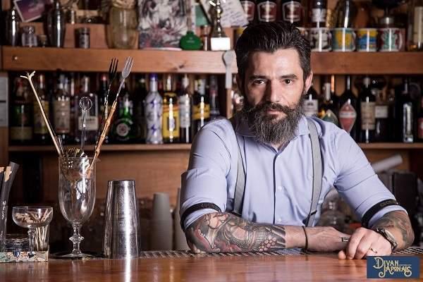 Max La Rosa Proprietario E Barman Del Divan Japonais Di Frascati Roma 3 Compressed