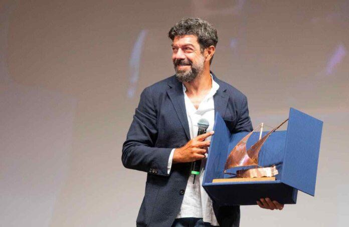 Pierfrancesco Favino Ritira Il Premio Volonte Credits Nanni Angeli