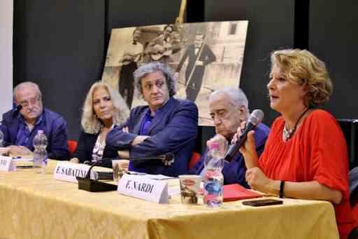 Giancarlo Governi, Emilia Costantini, Arnaldo Colasanti, Francesco Sabatini e Florinda Nardi al convegno su Campanile a Velletri
