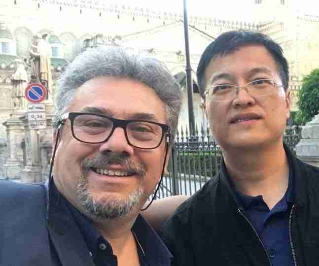 Antonino Giaramita e il Vice Sindaco di Siping compressed
