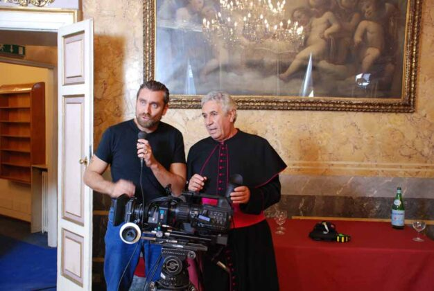 a Milano sul set di Mandàla con l'attore Giorgio Biavati