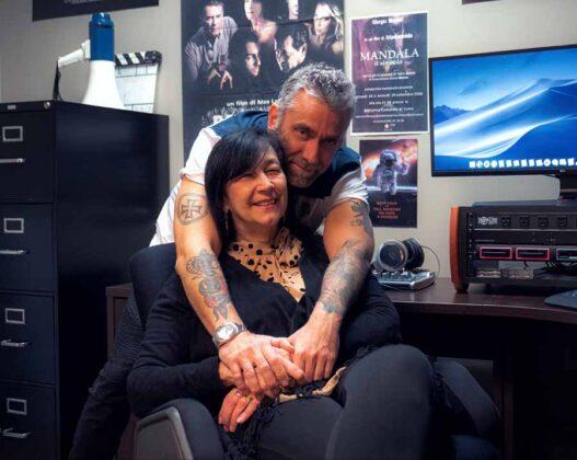 il regista Max Leonida e sua moglie, la produttrice Paola Cipollina, nel loro ufficio della Astarox Productions