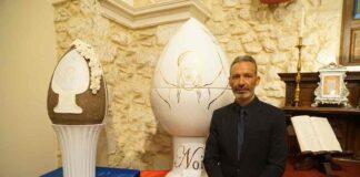Diego Cortez e l'uovo pigna