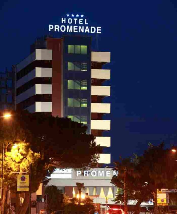 Hotel Promenade notturno