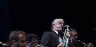 Jazz Company Big Band con Gabriele Comeglio al centro