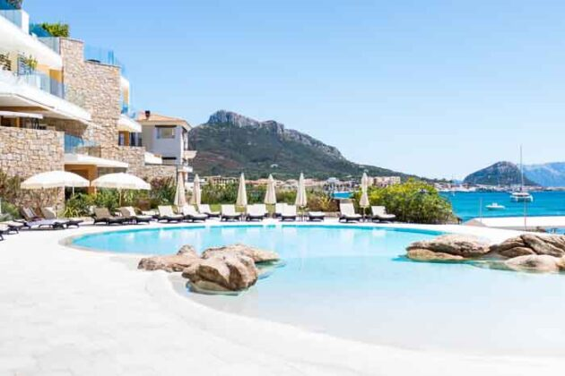 03 Infinity Pool Gabbiano Azzurro Sardegna