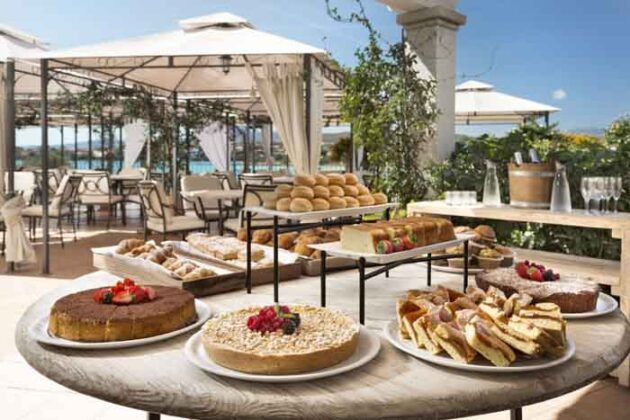 07 Gabbiano Azzurro Sardinia breakfast terrace with sea view 2
