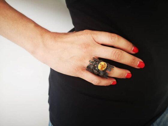 Corrado De Meo Trame 02 bronzo ossidato, oro e quarzo citrino
